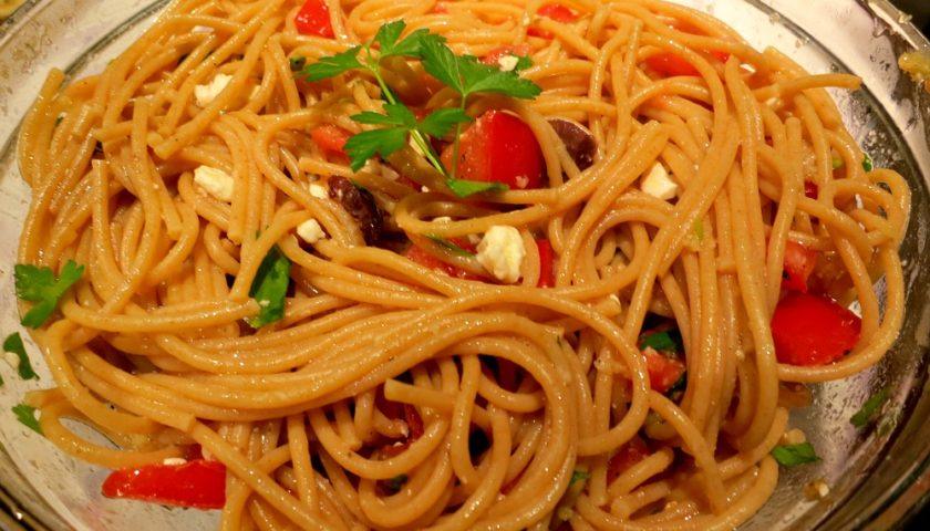 garlic and tomato pasta